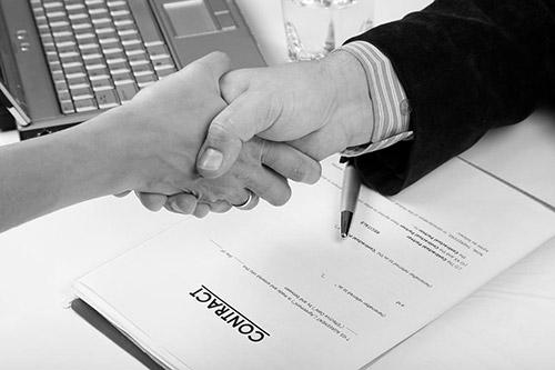 servicii redactare contracte